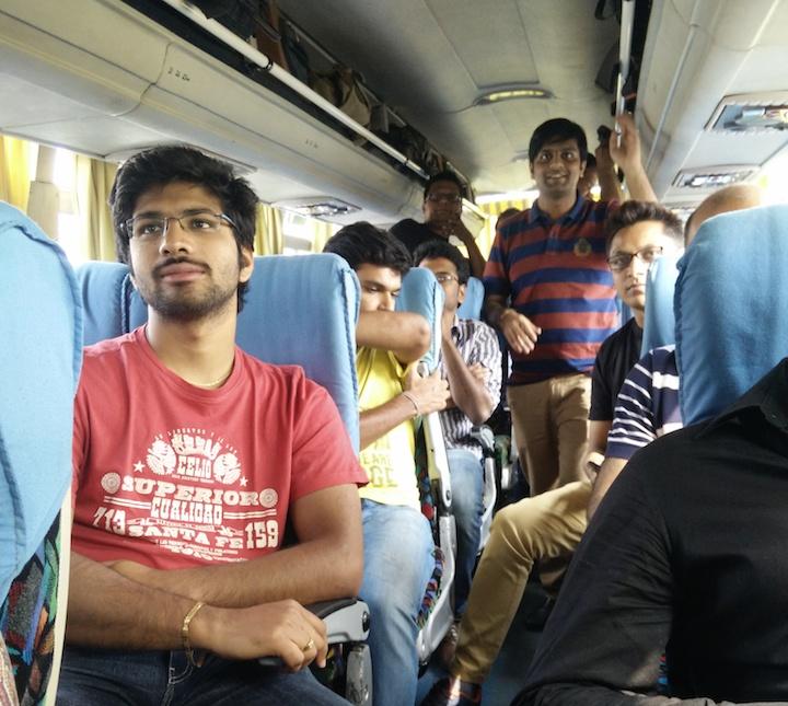 Saas-startups-on-a-bus